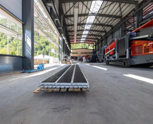 Deckenstrahlplatten Werkhalle Gipo AG Seedorf